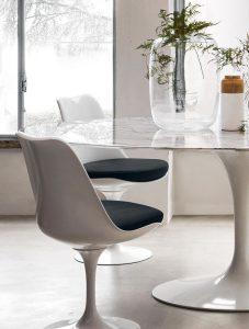 Tavolo Saarinen con Tulip Chair e Armchair - Knoll Genesin